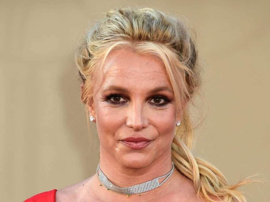 2021 08 20t090318z 1629450194 cvmdit04801437x4c3cx4e91x971ax4ba6a6e3e24b rtrfipp 4 cover showbiz - Britney Spears é acusada de agressão por funcionária