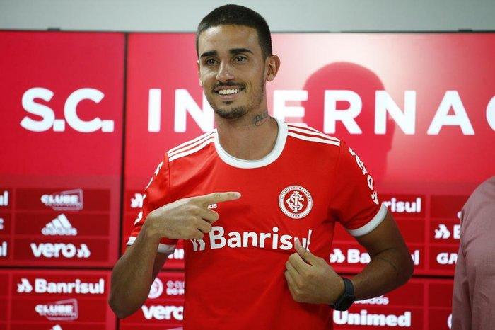 25462134 - DE SAÍDA! Prestes a sair do Internacional, Thiago Galhardo dá pistas de ida para clube espanhol