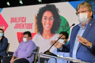 João Azevêdo lança programa de qualificação profissional para mais de 4 mil jovens na Paraíba