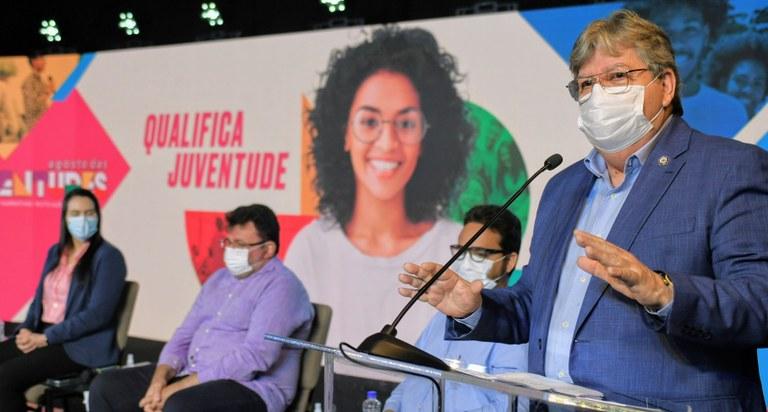 2c2db17f e1ec 48f3 9b47 4630234a1e56 - João Azevêdo lança programa de qualificação profissional para mais de 4 mil jovens na Paraíba