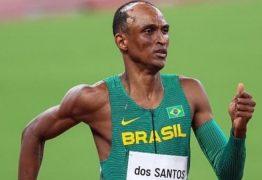 Com sorriso no rosto, Alison dos Santos garante vaga na final dos 400 metros com barreiras em Tóquio