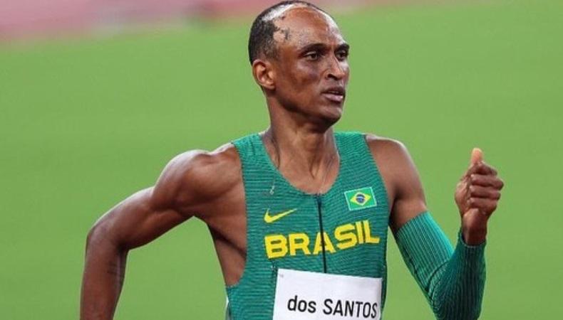32f14a6c4850969245be5e5efd34ea7f - Com sorriso no rosto, Alison dos Santos garante vaga na final dos 400 metros com barreiras em Tóquio