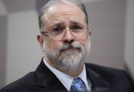 """Aras critica Operação Lava Jato e defende classe política no Senado: """"Cada político merece dignidade"""""""
