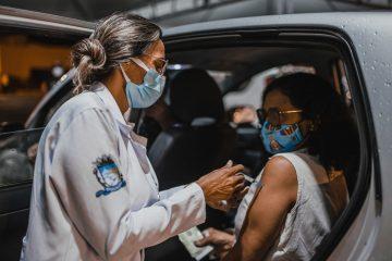60de8636e9b43 IMG 7556 360x240 - Prefeitura de Patos realiza mais um drive-thru e amplia vacina contra covid para 30 anos ou mais