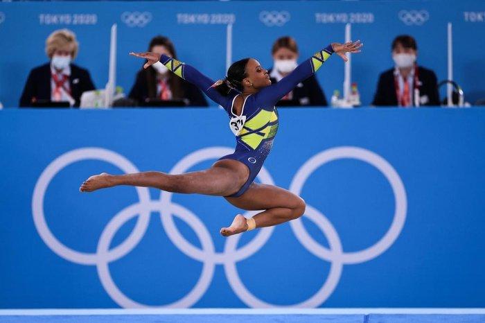 631198 34cb3f465b59912 - Rebeca tem chance de ganhar 3ª medalha, mas não é favorita a ouro no solo