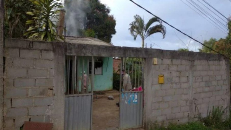 8pmbu1mztgicxmp5vcy0gnkfc - TRAGÉDIA: Duas crianças são encontradas carbonizadas após incêndio em casa