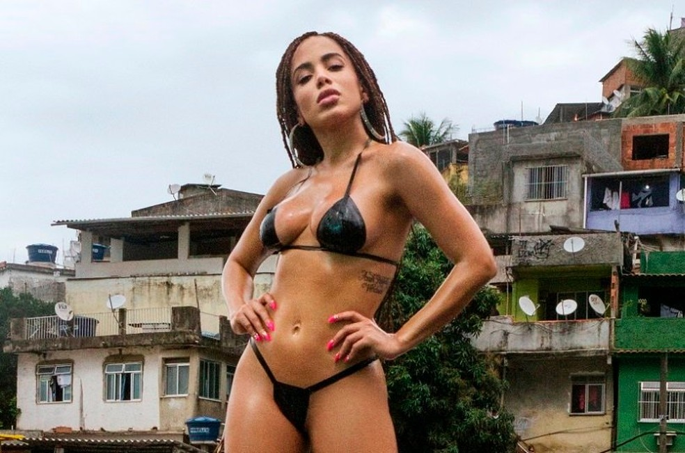 995942937 com vai malandra anitta conquista recordes ineditos no spotify reproducao - Anitta entra para Academia do Grammy Latino - VEJA VÍDEO
