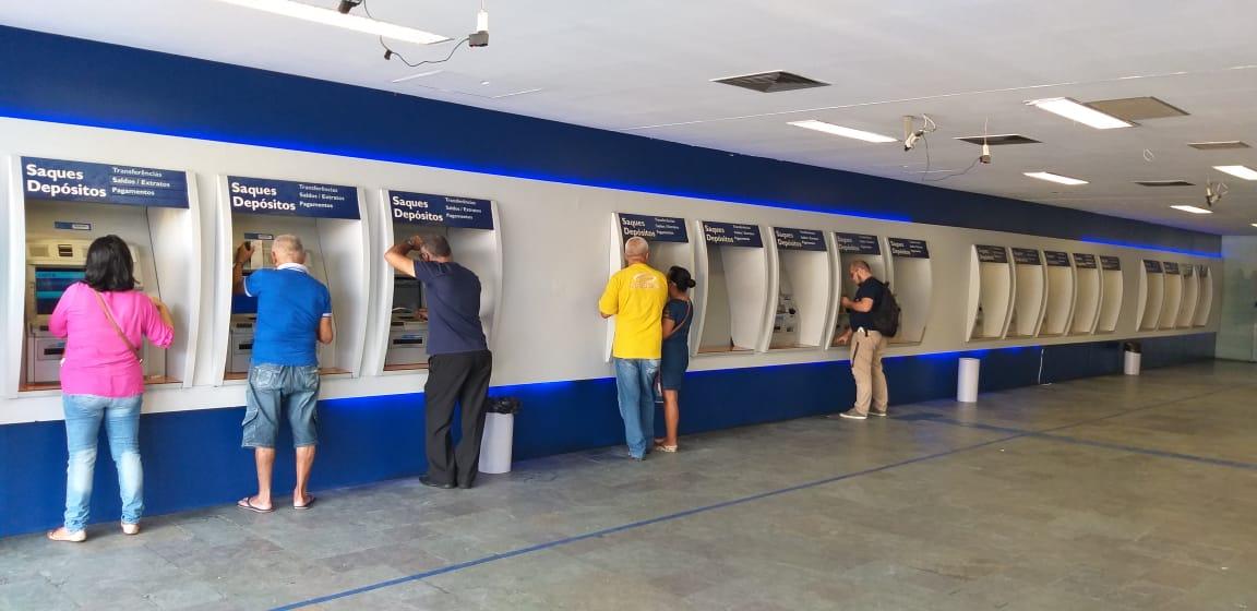 Bancos Caixa eletronico Edson Veber - Bancos fecham nesta quinta-feira, mas maior parte dos serviços funciona normalmente na Paraíba