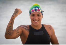 """""""Mulheres negras brilham em Tóquio"""": Ana Marcela dispara no fim e ganha a medalha de ouro na maratona aquática"""