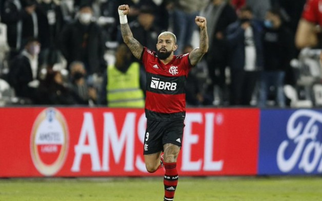 Flamengo vence Olimpia fora de casa e se aproxima da semi da Libertadores