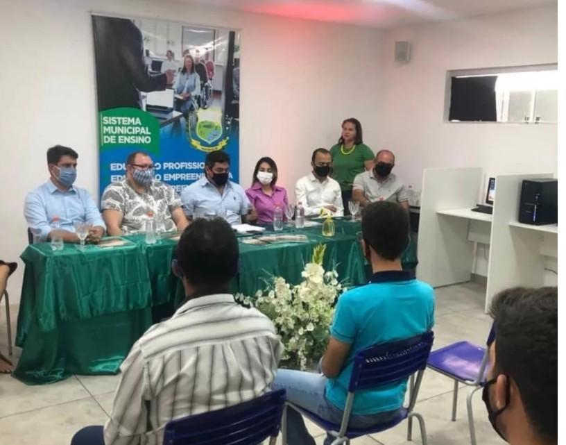 Capturar 46 - Prefeitura de Marizópolis formaliza convênio com IEL e SENAI para fomentar empreendedorismo no município
