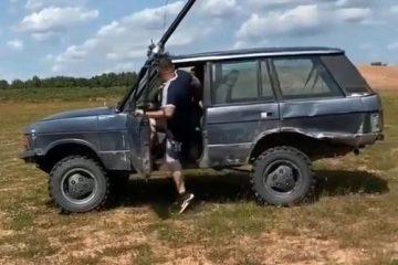 Capturar 7 360x240 - Vídeo mostra Range Rover completamente submersa ao atravessar lago
