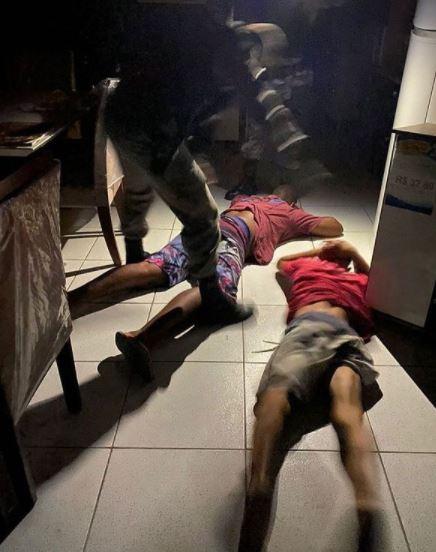 Capturar.JPGa  - VIOLÊNCIA EM JP: Polícia cerca gangue da 'marca à ré' e prende suspeitos durante arrombamento a loja