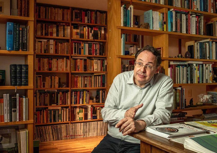 Capturar.JPGuj  - 'Paulo Guedes se desmoralizou por completo', diz economista Eduardo Giannetti