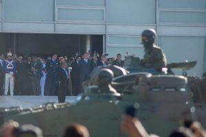 FUP20210810046 300x200 - Maioria do Alto Comando do Exército avalia que desfile de tanques na Esplanada foi exposição desnecessária