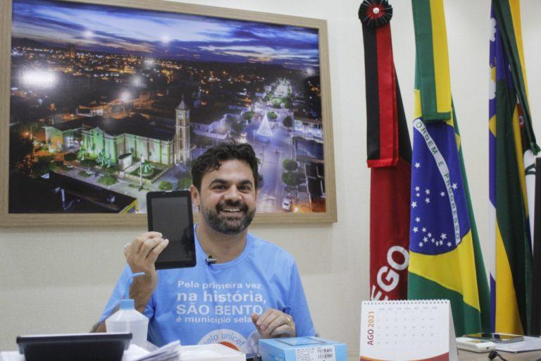 IMG 20210811 WA0130 768x512 1 - Prefeito de São Bento anuncia entrega de mais de quatro mil tablets a alunos do Fundamental I e II