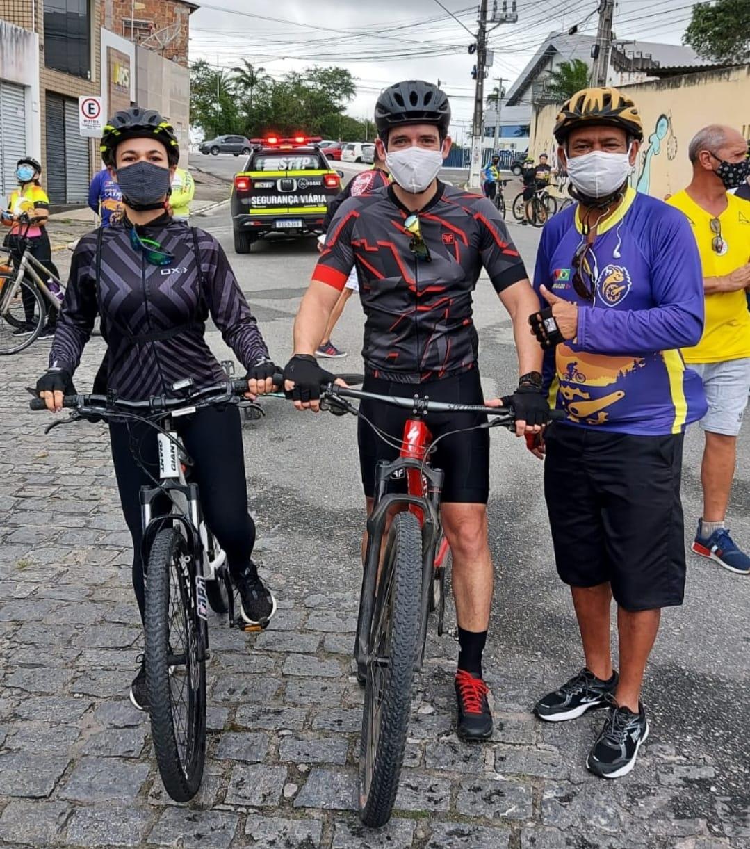 IMG 20210829 WA0043 - Cerca de 300 ciclistas participaram do Pedal Solidário promovido pela Prefeitura neste domingo