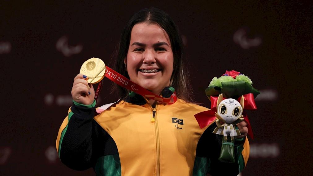 Mariana c - FAZENDO HISTÓRIA: Mariana D'Andrea conquista o primeiro ouro da história do Brasil no halterofilismo