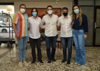 RAFAFA - Com ausências de Bruno e Romero, Eduardo Leite cumpre agenda em Campina Grande