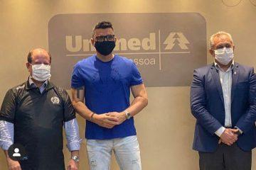 Ricardo Rocha na Unimed JP 360x240 - Unimed JP recebe visita de ex-zagueiro da Seleção Brasileira para debater parceria