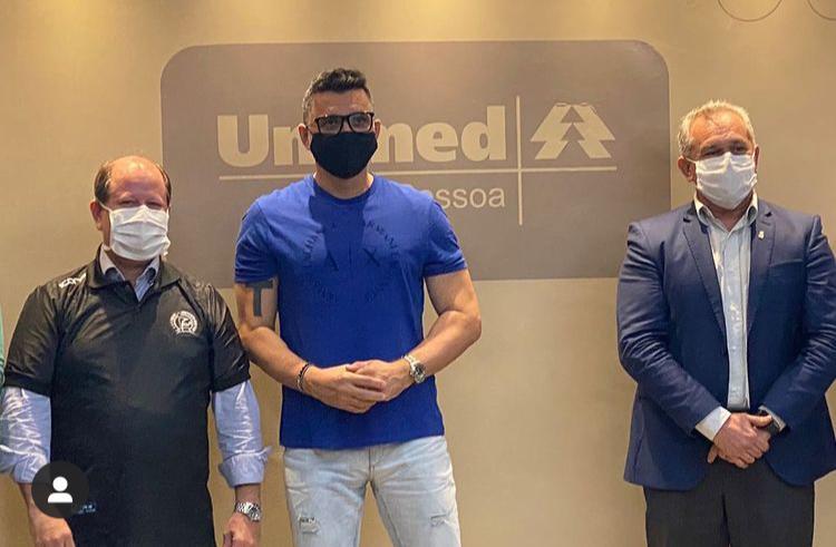 Ricardo Rocha na Unimed JP - Unimed JP recebe visita de ex-zagueiro da Seleção Brasileira para debater parceria