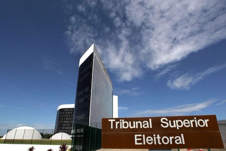 TSE - A oportuna reação da cúpula e de ex-dirigentes do TSE a Bolsonaro - Por Nonato Guedes