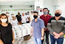 Secretária Ana Cláudia visita Restaurante Popular do Governo do Estado em Campina e cobra da Prefeitura reabertura dos que foram fechados por Romero