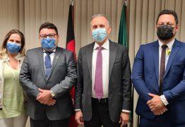 Deputado Aguinaldo Ribeiro recepciona prefeitos em Brasília e atende demandas de cidades paraibanas