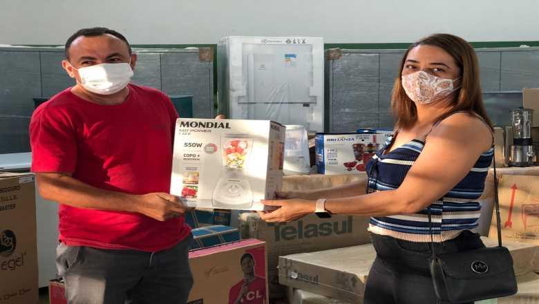 WhatsApp Image 2021 08 19 at 18.45.47 - Prefeito Chico Mendes entrega equipamentos a escolas da rede municipal em investimento de mais de R$ 500 mil