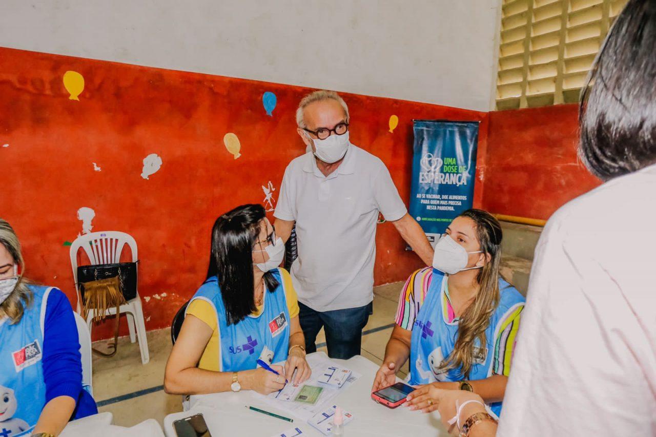 WhatsApp Image 2021 08 21 at 12.42.00 1 scaled - Prefeito acompanha vacinação 18+ e João Pessoa deve atingir 94% do público alvo com ao menos uma dose neste sábado