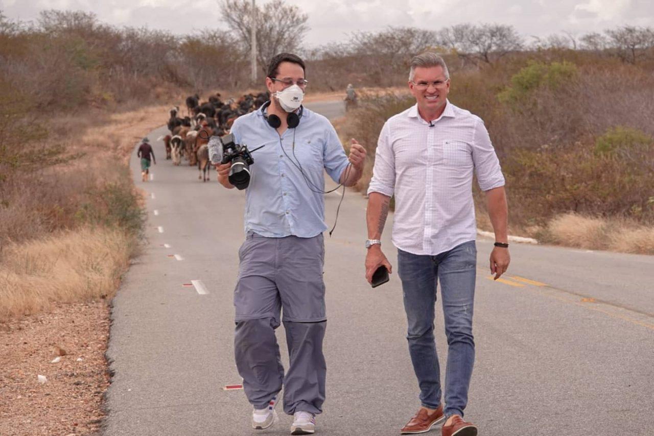 WhatsApp Image 2021 08 25 at 16.52.56 scaled - A rotina de um parlamentar: Julian Lemos participa de documentário produzido pela Globoplay