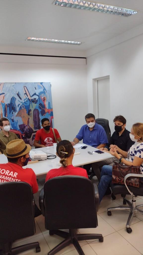 WhatsApp Image 2021 08 27 at 10.10.44 2 - Famílias do Movimento Social Brasileiro ocupam gabinete do prefeito Cícero Lucena e cobram cestas básicas - VEJA VÍDEO