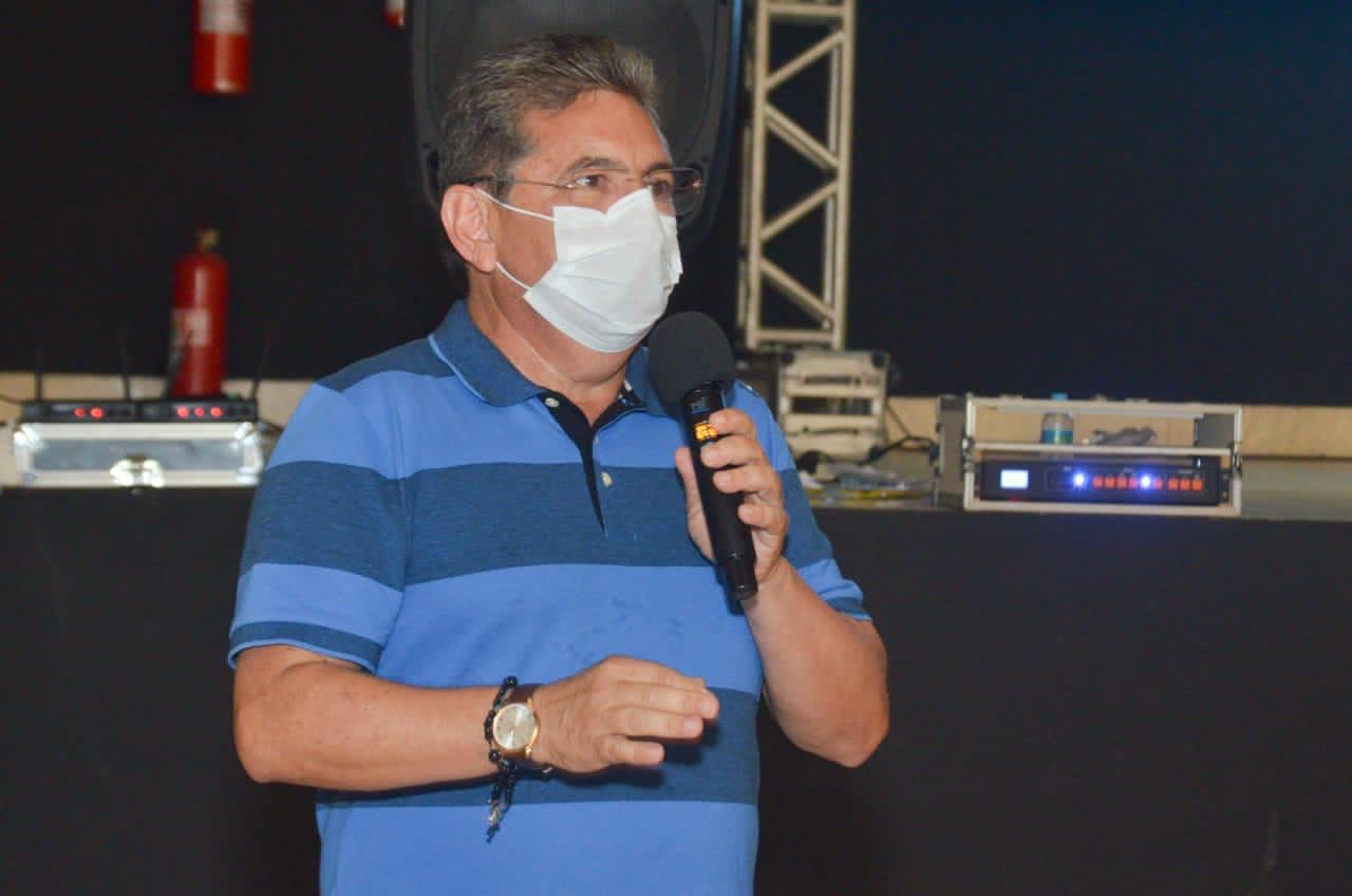 adriano - Adriano volta a apelar para que Exército não suspenda Operação Carro-Pipa na Paraíba