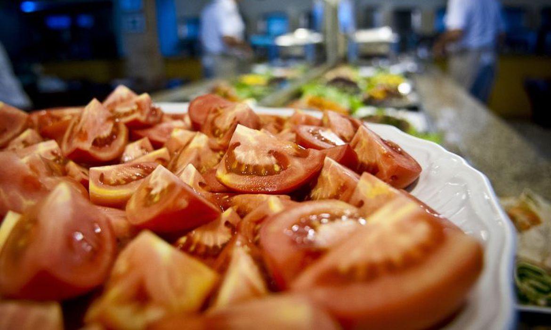 alimentacao - Despesa por pessoa com alimentação no Brasil era R$ 209 em 2017-2018