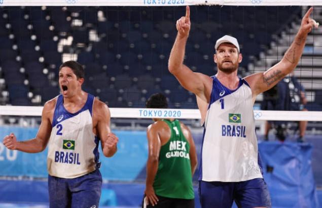 alison e alvaro - Paraibano Álvaro Filho vence novamente e dupla avança para quartas de final no vôlei de praia