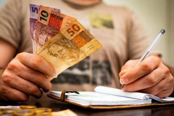 auxilio - Governo cortou quase 5 milhões de brasileiros do auxílio emergencial 2021