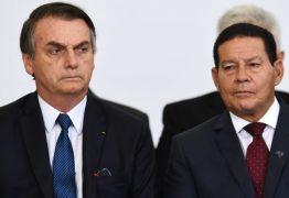 """RELAÇÃO DELICADA! Questionado se Mourão irá continuar no governo, Bolsonaro diz: """"Não vou entrar em detalhes"""""""