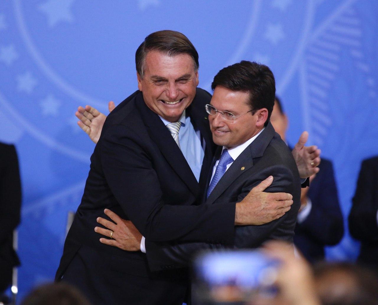 bolsonaro rma - AUXÍLIO BRASIL: ministro João Roma faz pronunciamento em rede nacional nesta quinta (12)