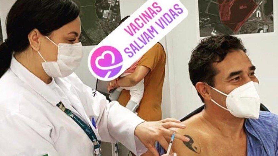 c6qua8hrjg4xgm3zsbnp48kcc - Após ficar intubado, Luciano Szafir é vacinado contra Covid-19: 'Alívio'
