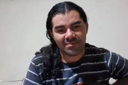 cantor - Natural de Patos, cantor Carlos Alexandre tenta matar ex-mulher, atira na enteada e depois se mata; Vizinhos ouviram gritos