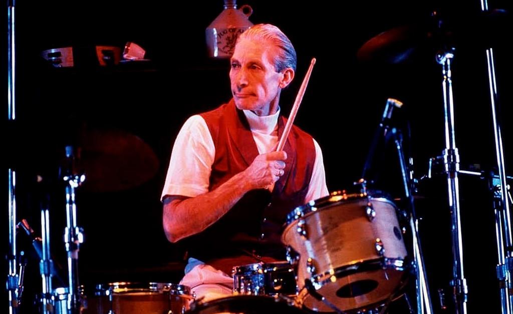 """charlie - Morre aos 80 anos Charlie Watts, baterista do Rolling Stones: """"Um dos maiores de sua geração"""""""