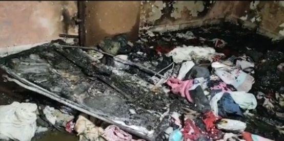 csm 2f39c0485988dd46b239c97eabfc080f cd735c3eef - Após esfaquear esposa, homem a tranca com bebê e ateia fogo em casa