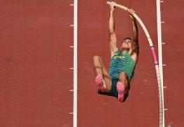 É BRONZE! Thiago Braz brilha e conquista o terceiro lugar no salto com vara