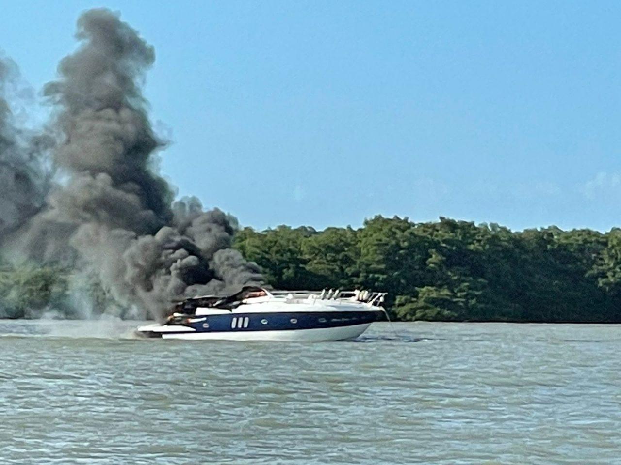 dcdf8f38 6463 49d8 9b8a 83e4b240babd scaled 1 - PREJUÍZO MILIONÁRIO: veja como ficou a embarcação de luxo que pegou fogo na grande João Pessoa