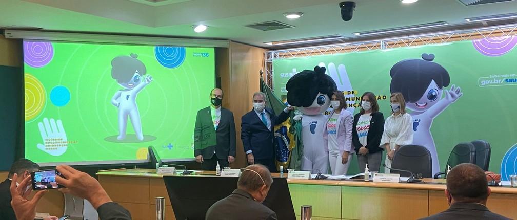 e h0b8fwyak4spo - Ministério da Saúde lança nova mascote, 'Rarinha', para ações sobre doenças raras