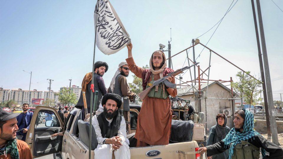 e10d507d76cdf5d095f850682720ba9a39ba49dew 960x540 1 - Extremismo religioso, mulheres sem direitos e população desarmada: o que defende o Talibã, que voltou ao poder no Afeganistão