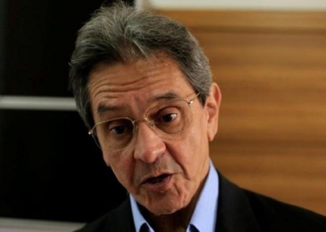eobert - Moraes, do STF, determina prisão de ex-deputado Roberto Jefferson por ataques às instituições democráticas