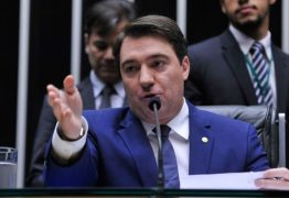 """Vagabundo"", ""burro ignorante""…: Deputado federal xinga sogro bolsonarista – OUÇA"