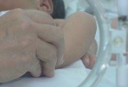 Bebê encontrada em calçada vai para abrigo de João Pessoa após alta em hospital