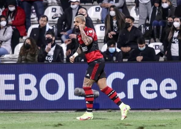 gabigol - Flamengo coleta vídeos com registros de racismo no Paraguai para enviar à Conmebol